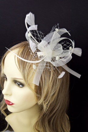 Cream Bow and Feather Comb Fascinator