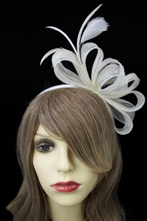 Pretty Ivory Layered Bow Hairband Fascinator