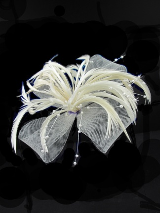 Ivory Feather and Mesh Bow Fascinator