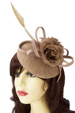 Beige/Nude Hat Fascinator with Clip & Quill