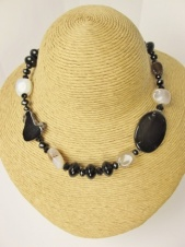 Black and Natural Colour Agate Fashion Necklace