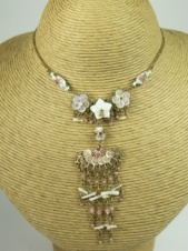 Gold and Pink Delicate Fan and Flower Fashion Necklace