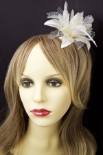 Cream Flower and Feather Fascinator